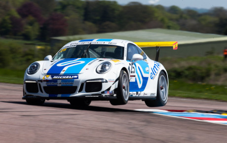 VÍCTOR JIMÉNEZ ADDS TWO MORE PODIUMS AT THRUXTON